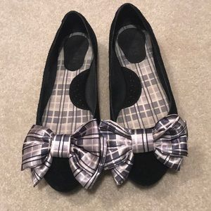 Born bow shoes
